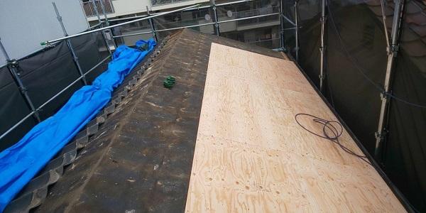 千葉県千葉市 屋根葺き替え工事 アスベストについて ニチハ ガルバリウム屋根 横断ルーフへの葺き替え (3)