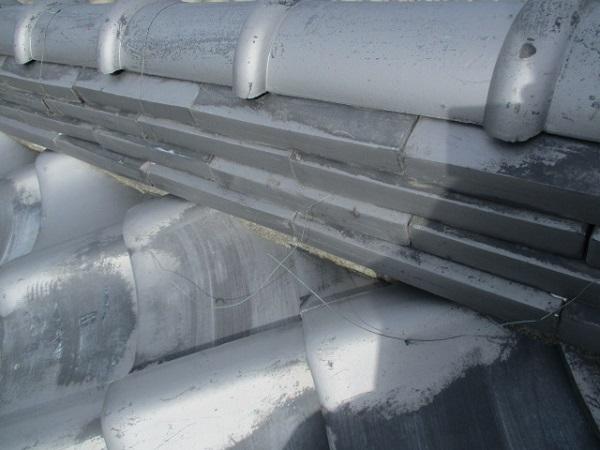 千葉県市原市 瓦屋根・漆喰工事 棟のずれ・積み直し 割れた瓦の補修 (1)