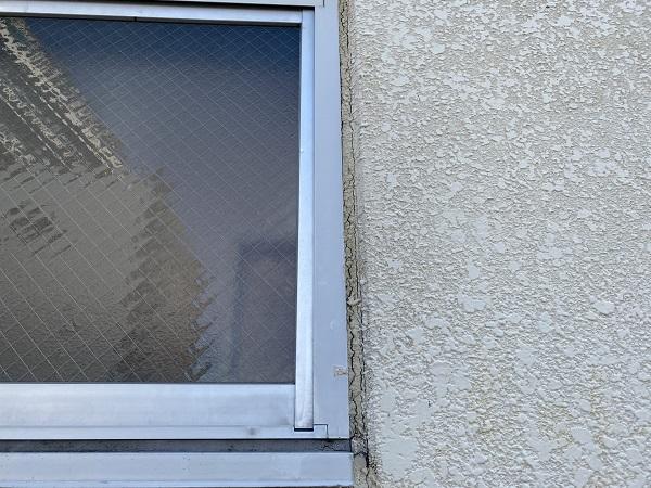 千葉県千葉市 外壁塗装 雨漏りスピード補修 現場調査 サッシ廻りのシーリングの劣化