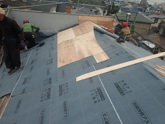 千葉県市原市 屋根葺き替え工事 野地板・ルーフィングの交換 瓦屋根からガルバリウム鋼板へ3