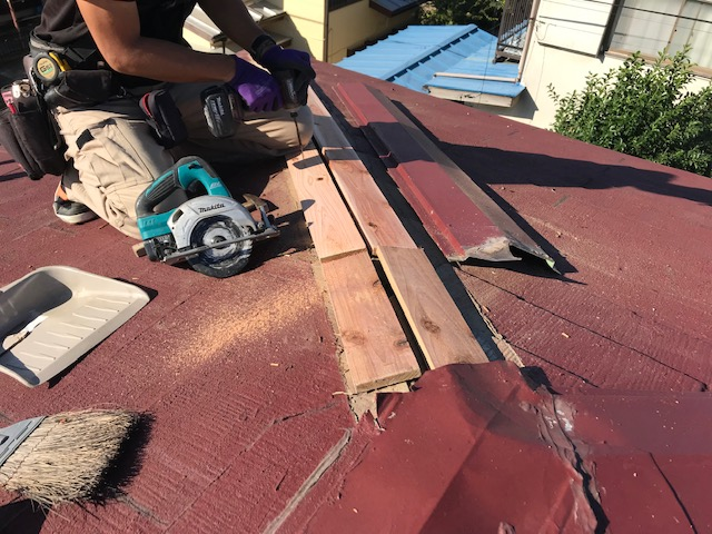 千葉県木更津市 屋根板金工事 化粧スレート屋根 棟板金の修理 (1)